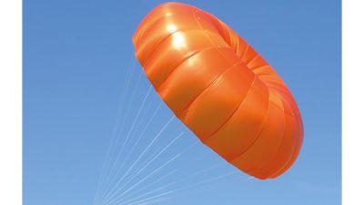 Retter Rundkappe Independence Annular Evo im Flug