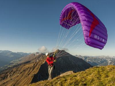 Miniwing Gleitschirm für Speedflying und Speedriding Gin Gliders Fluid 2 in den Bergen