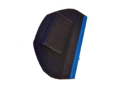 Das Bild zeigt die Fly Neo Instrumenten Halterung zum Gleitschirmfliegen. Diese ist mit einem Klettverschluss versehen und ist gerade im Angebot.